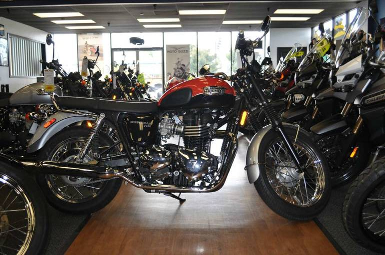 See more photos for this Triumph Bonneville T100, 2015 motorcycle listing