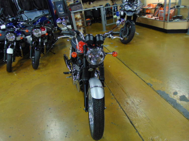 See more photos for this Triumph Bonneville T100 Standard, 2015 motorcycle listing