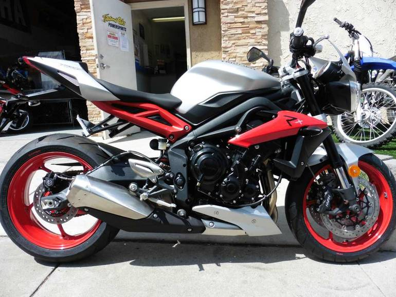 See more photos for this Triumph Street Triple Rx ABS Special Edition, 2015 motorcycle listing