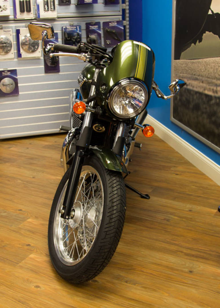 See more photos for this Triumph THRUXTON, 2015 motorcycle listing