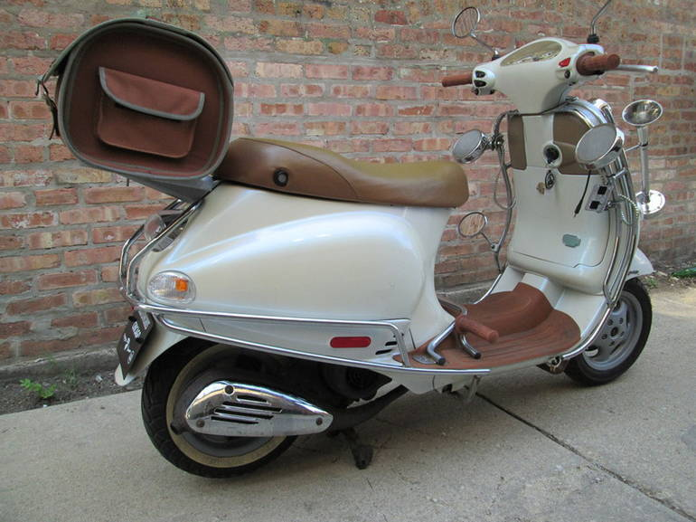 See more photos for this Vespa ET4, 2001 motorcycle listing