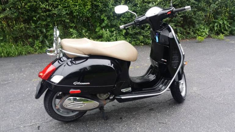 2008 vespa gts 250 250 motorcycle from clarendon hills il. Black Bedroom Furniture Sets. Home Design Ideas