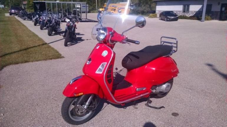 See more photos for this Vespa GTS 250ie, 2009 motorcycle listing