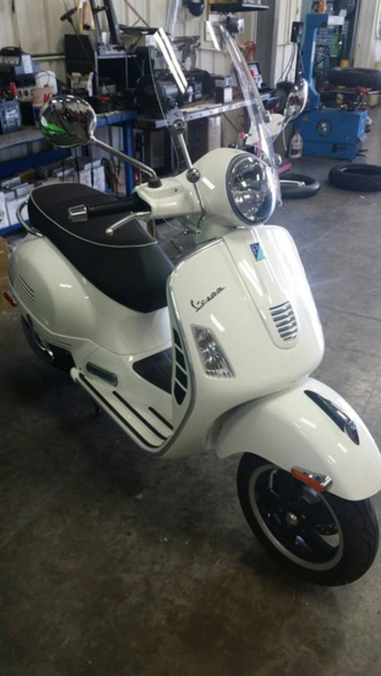 See more photos for this Vespa GTS 300 Super, 2010 motorcycle listing