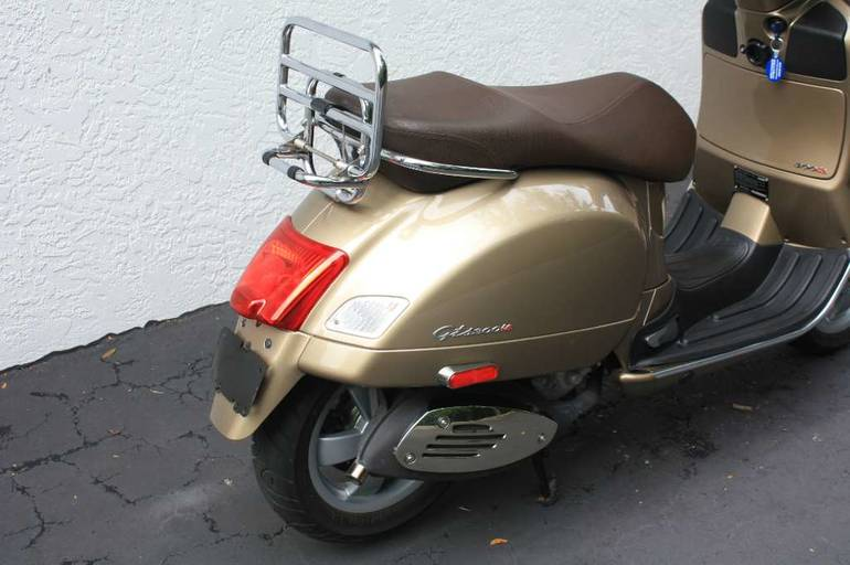 See more photos for this Vespa GTS 300, 2011 motorcycle listing