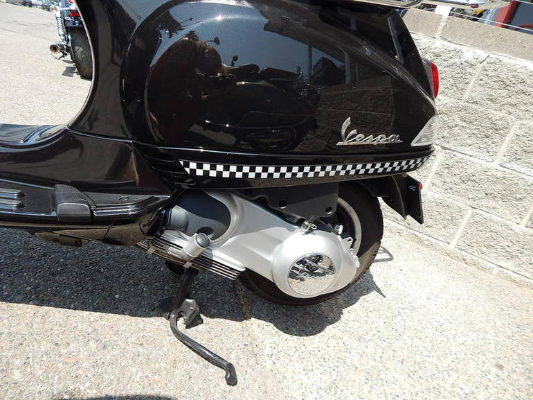 See more photos for this Vespa LX 150 i.e., 2011 motorcycle listing