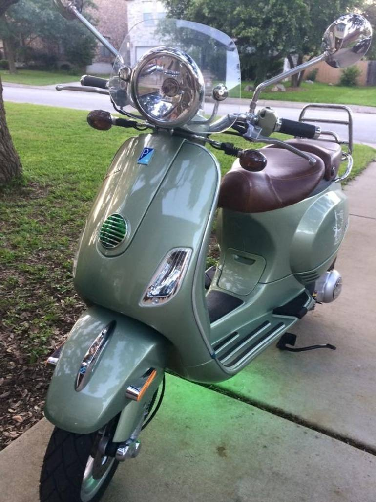 See more photos for this Vespa LX V190, 2012 motorcycle listing
