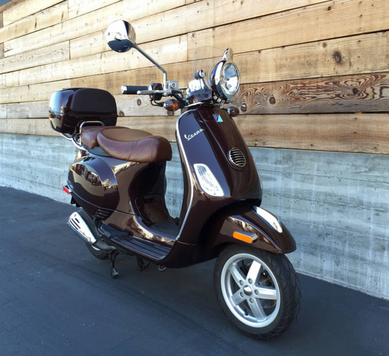 See more photos for this Vespa LXV 150 IE, 2012 motorcycle listing