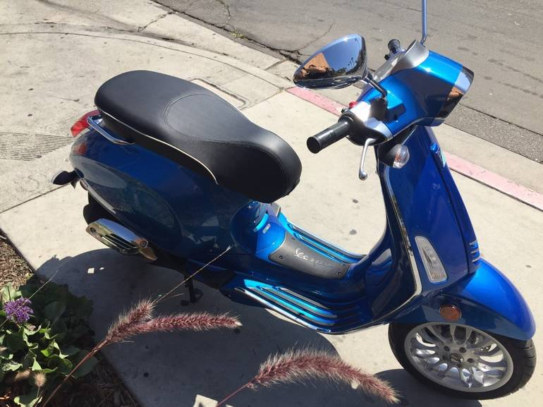 See more photos for this Vespa Sprint 150, 2015 motorcycle listing