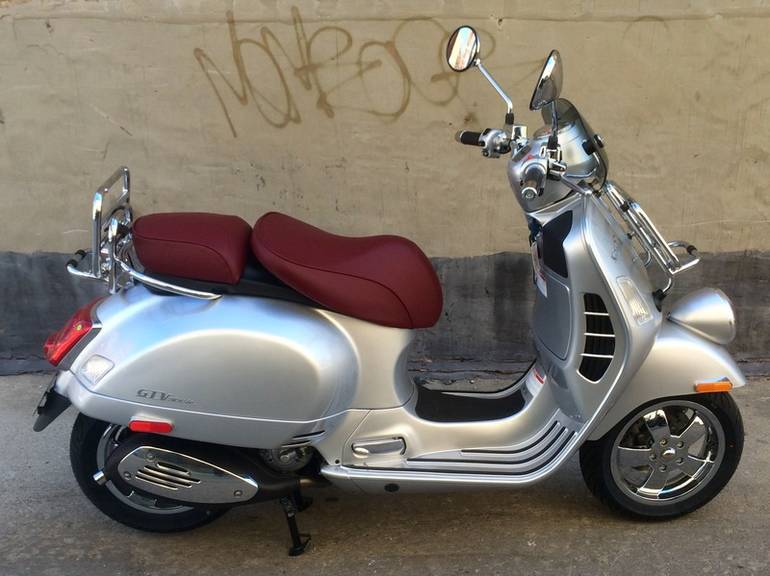 See more photos for this Vespa GTV 300 ABS, 2016 motorcycle listing