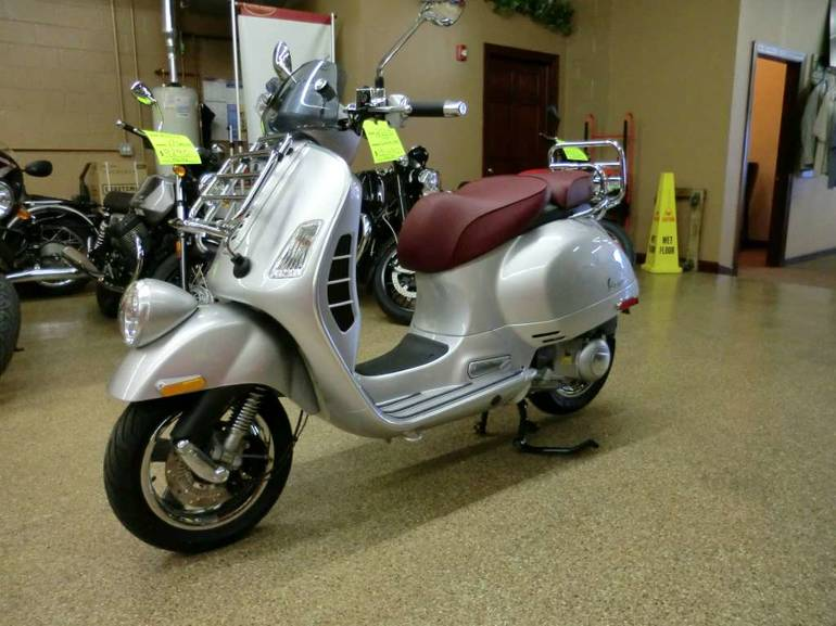 See more photos for this Vespa GTV 300 i.e. ABS, 2016 motorcycle listing