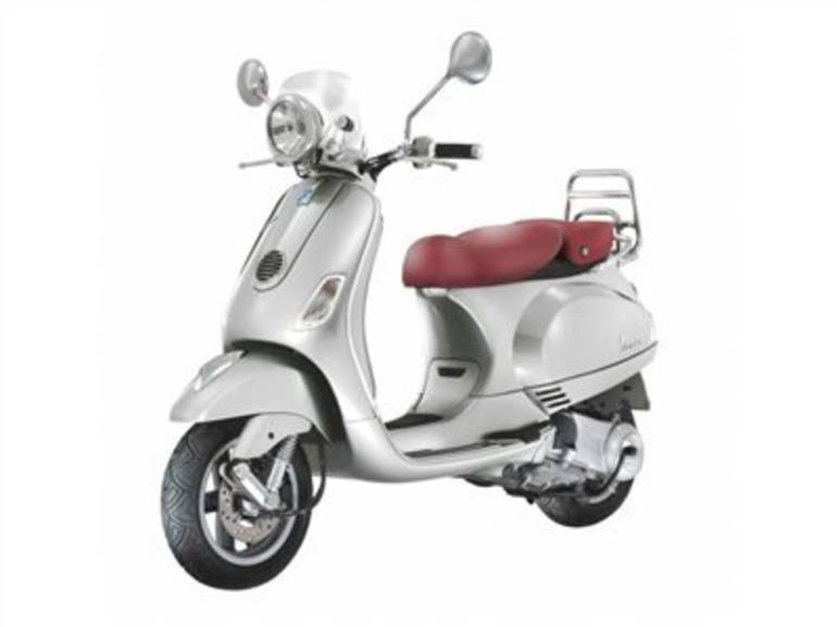 See more photos for this Vespa LX V150 i.e., 2016 motorcycle listing