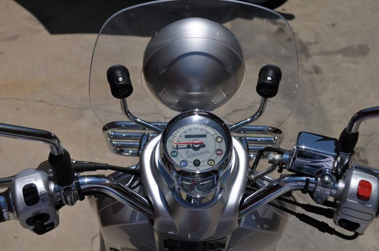 See more photos for this Vespa LXV 150, 2016 motorcycle listing