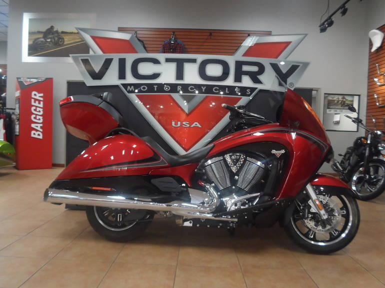 See more photos for this Victory Vision Tour Sunset Red & Black W/ Black , 2013 motorcycle listing