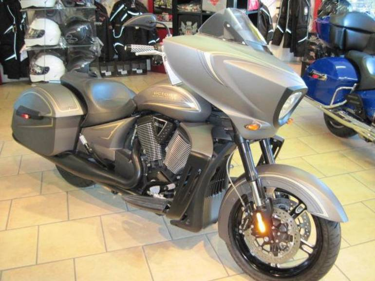 See more photos for this Victory Zach Ness Cross Country Suede Titanium M, 2013 motorcycle listing