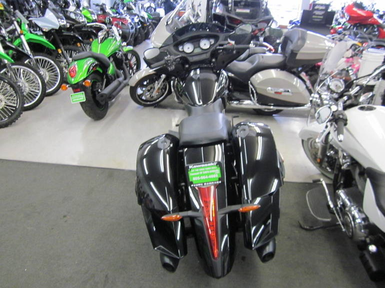 See more photos for this Victory CROSS COUNTRY 8 BALL, 2015 motorcycle listing