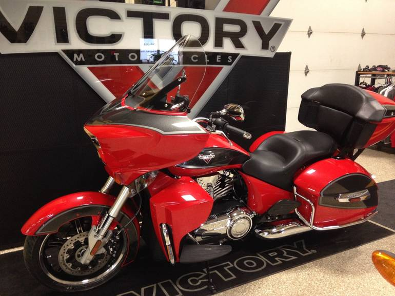 See more photos for this Victory Cross Country Tour®, 2015 motorcycle listing