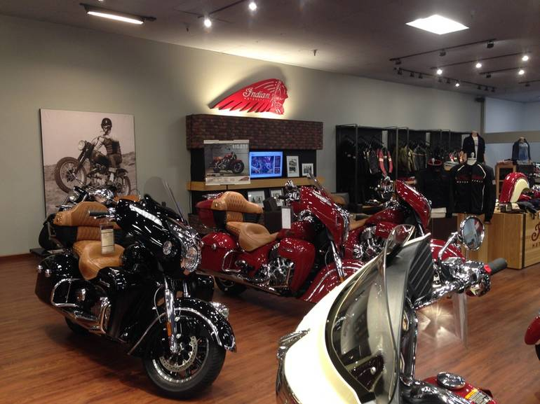 See more photos for this Victory Magnum Magnum Red over Super Steel Gray, 2015 motorcycle listing