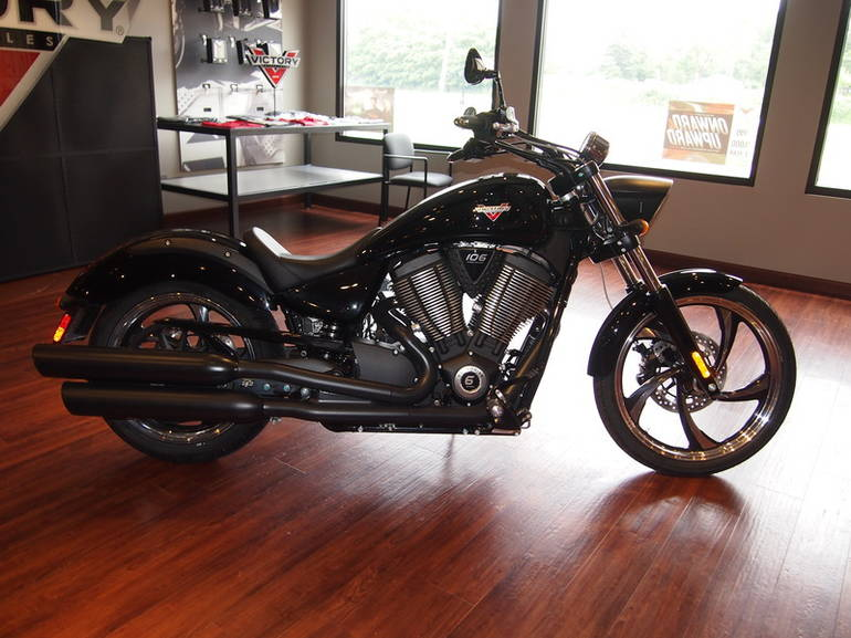 See more photos for this Victory Vegas 8-Ball Gloss Black, 2015 motorcycle listing