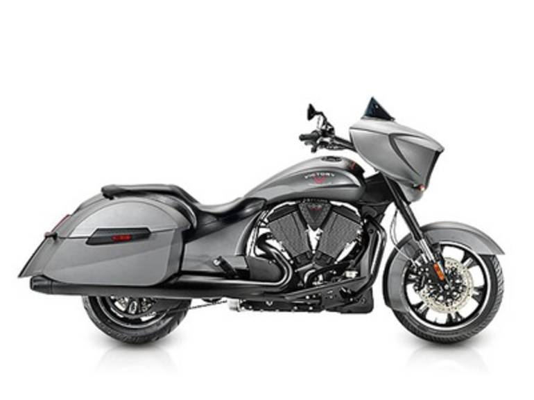 See more photos for this Victory Cross Country Suede Titanium Metallic, 2015 motorcycle listing