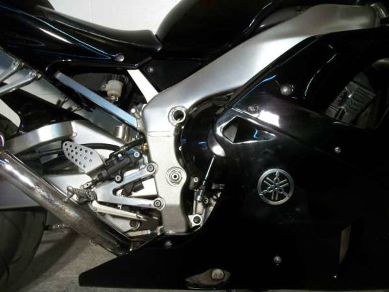 See more photos for this Yamaha R1, 2001 motorcycle listing