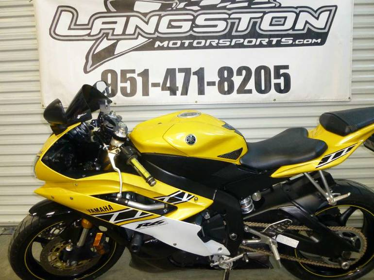 See more photos for this Yamaha YZF-R6, 2006 motorcycle listing