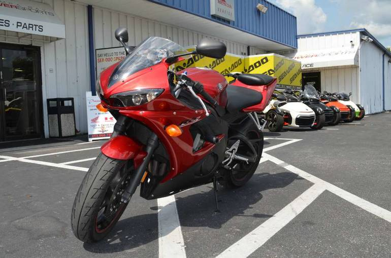 See more photos for this Yamaha YZF-R6S, 2007 motorcycle listing