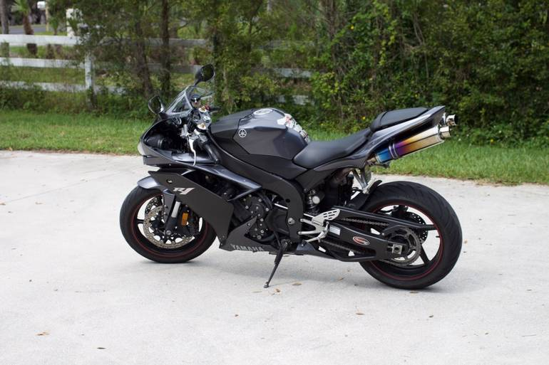 See more photos for this Yamaha Yzf , 2007 motorcycle listing