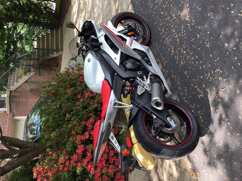 See more photos for this Yamaha Yzf R6, 2008 motorcycle listing
