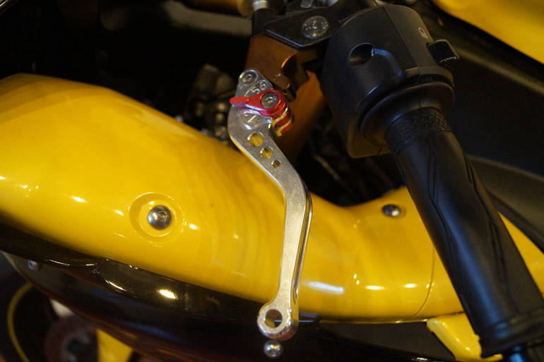 See more photos for this Yamaha YZF-R1 Cadmium Yellow, 2009 motorcycle listing