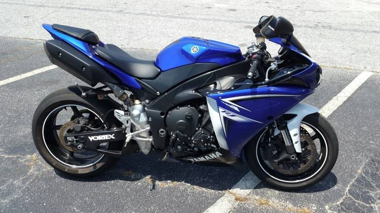 See more photos for this Yamaha Yzf R1, 2009 motorcycle listing