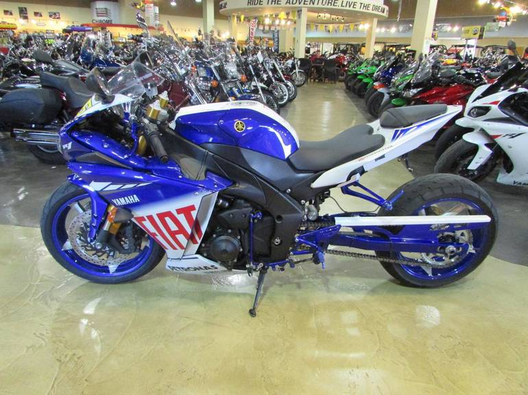 See more photos for this Yamaha YZF-R1 FIAT LE, 2010 motorcycle listing
