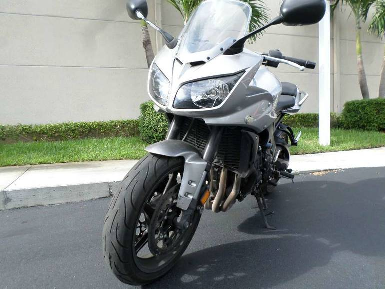 See more photos for this Yamaha FZ1, 2011 motorcycle listing