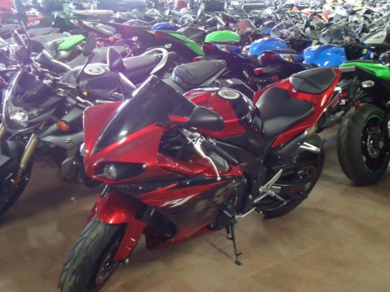See more photos for this Yamaha YZF-R1, 2011 motorcycle listing