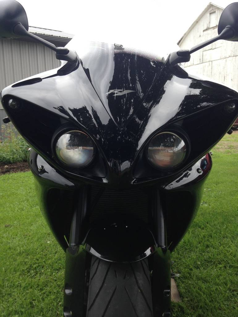 See more photos for this Yamaha Yzf R1, 2011 motorcycle listing