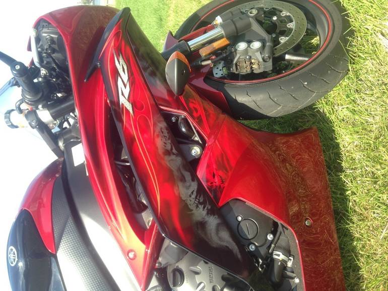 See more photos for this Yamaha Yzf R6, 2011 motorcycle listing