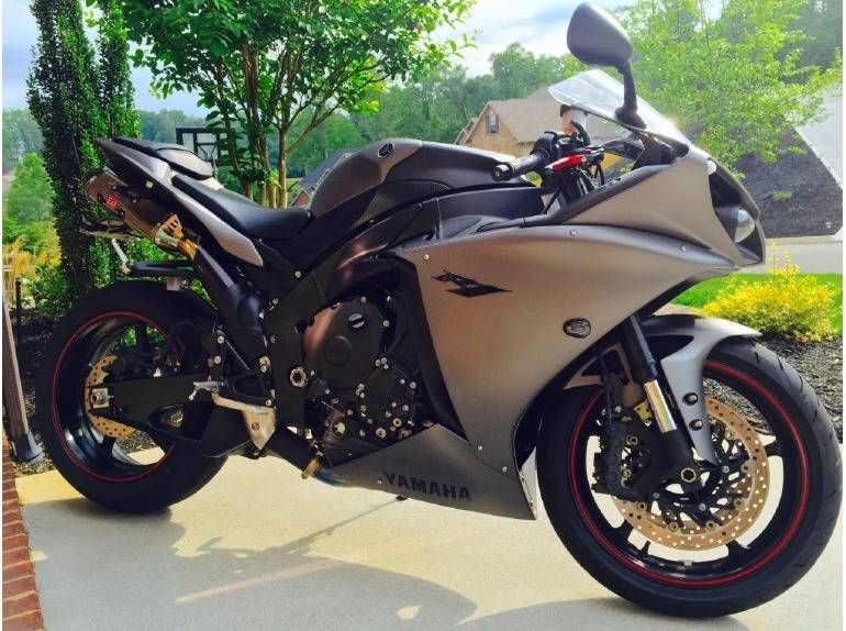 See more photos for this Yamaha Yzf R1, 2012 motorcycle listing