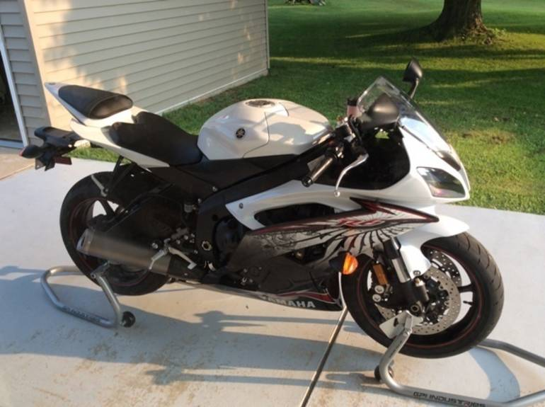 See more photos for this Yamaha Yzf R6, 2012 motorcycle listing