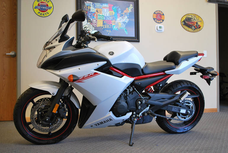 See more photos for this Yamaha Fz6 R, 2013 motorcycle listing