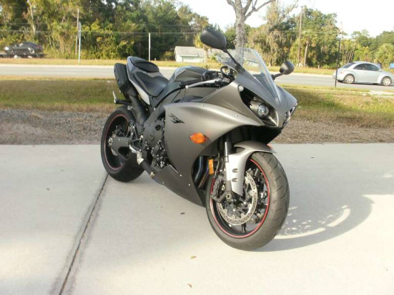 See more photos for this Yamaha YZF-R1, 2013 motorcycle listing