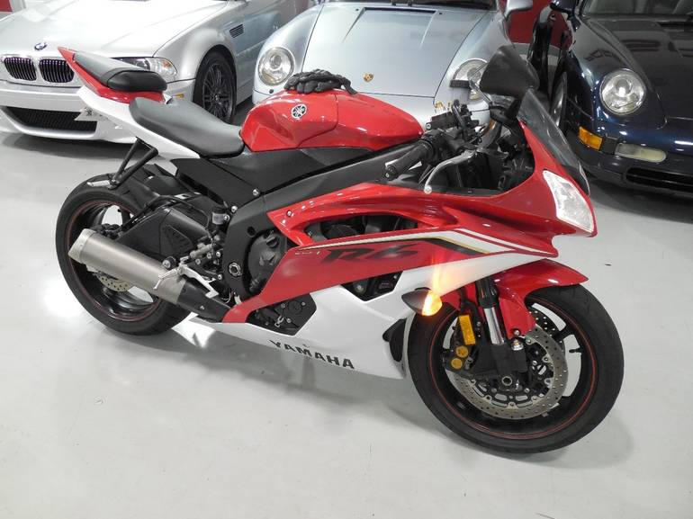 See more photos for this Yamaha Yzf R6, 2013 motorcycle listing