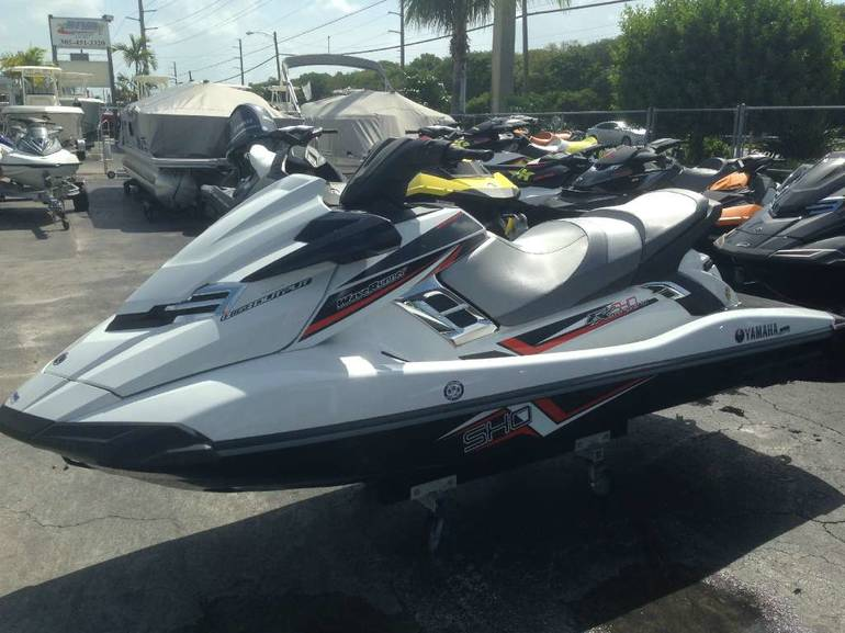See more photos for this Yamaha FX SHO, 2014 motorcycle listing