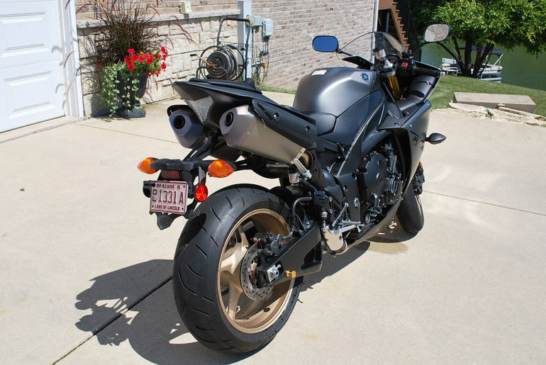 See more photos for this Yamaha Yzf R1, 2014 motorcycle listing