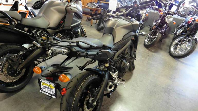 See more photos for this Yamaha FJ-09, 2015 motorcycle listing