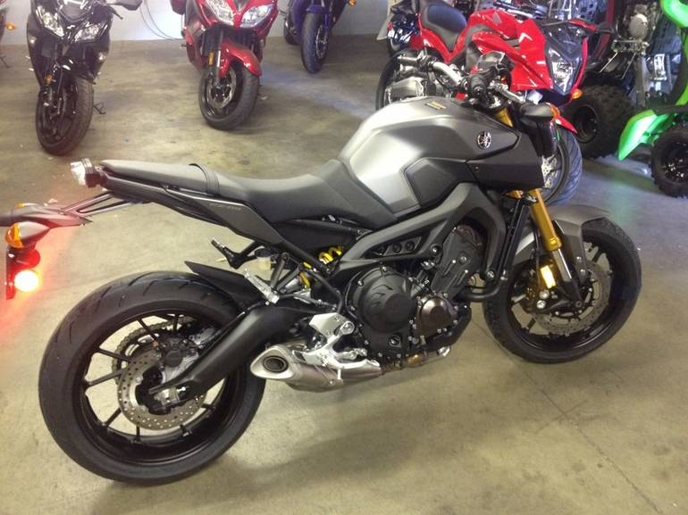 See more photos for this Yamaha FZ09FCGY, 2015 motorcycle listing