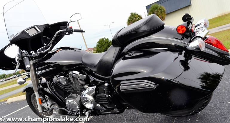 See more photos for this Yamaha V Star 1300 Deluxe, 2015 motorcycle listing