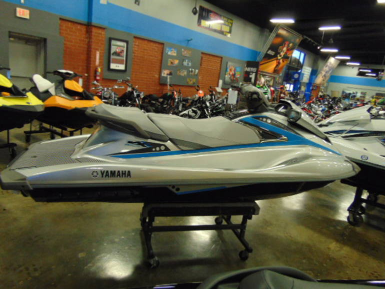 See more photos for this Yamaha VX Deluxe, 2015 motorcycle listing