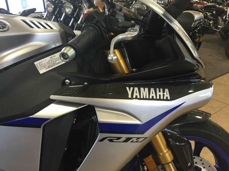 See more photos for this Yamaha YZF-R1M, 2015 motorcycle listing