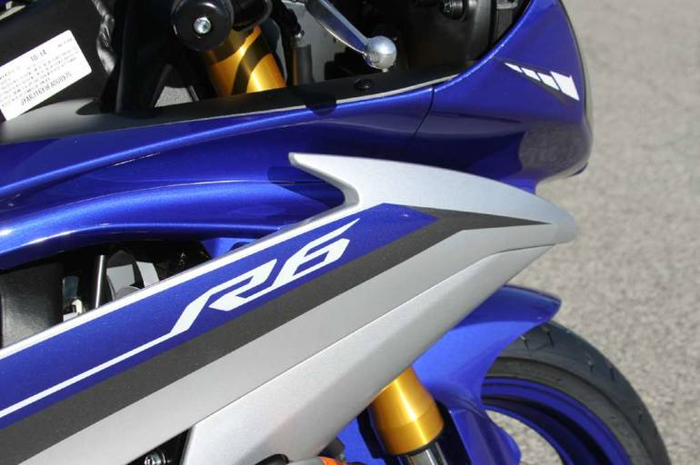 See more photos for this Yamaha YZF-R6, 2015 motorcycle listing
