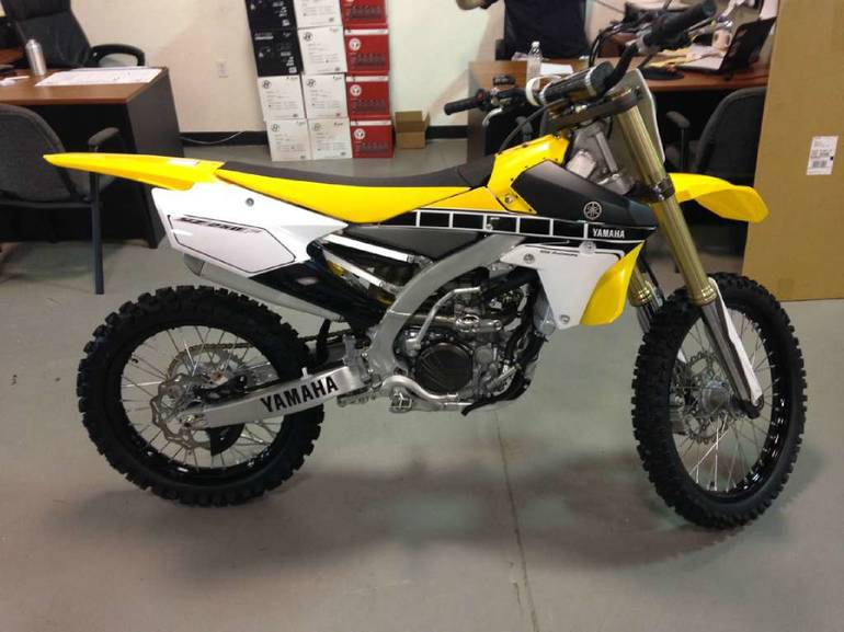 See more photos for this Yamaha YZ250F 60th Anniversary Yellow, 2016 motorcycle listing